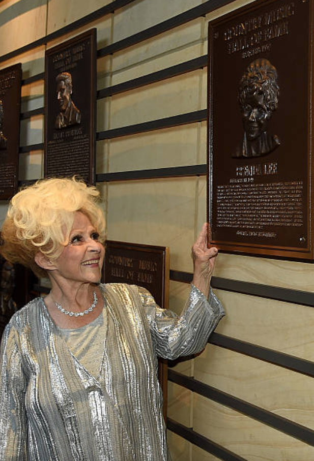 Brenda Mae Tarpley – The Country Music Hall of Fame & Museum I Nashville, Tennesse